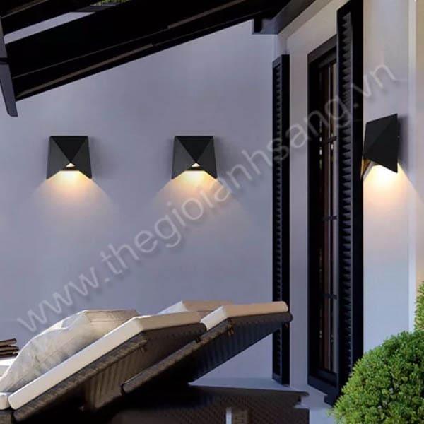 Đèn hắt tường L170xH170mm DC20-VK2286/1ĐEN